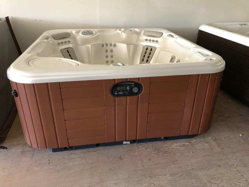 Used Hot Tubs - Refurbished Hot Tub Clearance Center | Creative Energy